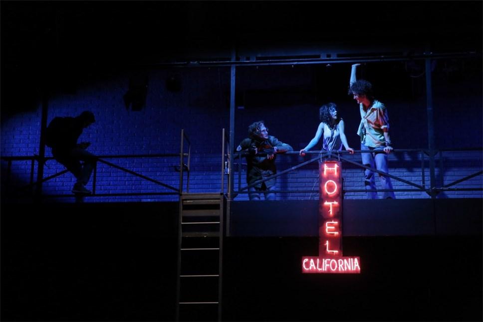 выпуске центр мейерхольда отель калифорния фотографии картинка
